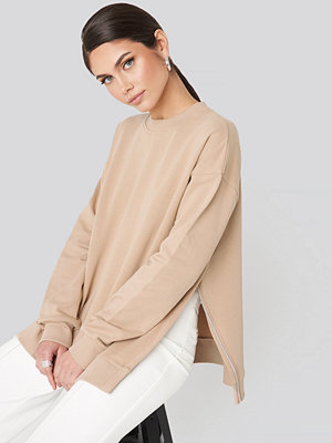 Tröjor - NA-KD Trend Oversized Side Slit Sweater beige