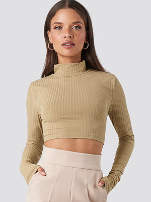 NA-KD Wide Rib Polo Neck Long Sleeve Cropped Top beige