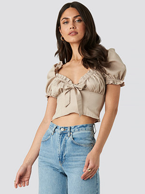 NA-KD Trend Square Neck Ruffle Blouse beige