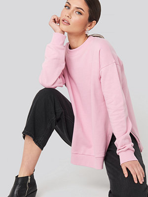 Tröjor - NA-KD Trend Oversized Side Slit Sweater rosa