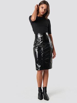 NA-KD Trend High Waist Vinyl Skirt svart