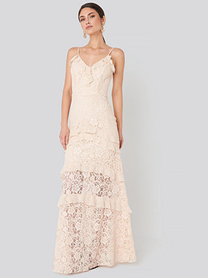 Trendyol Frill Detail Lace Evening Dress rosa