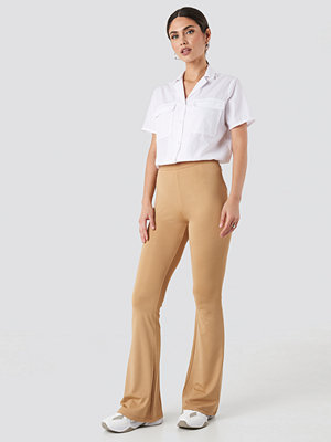NA-KD Trend Flared Leggings beige