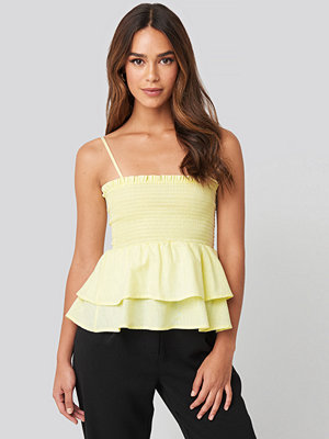 Trendyol Thin Strap Shirred Detailed Singlet gul