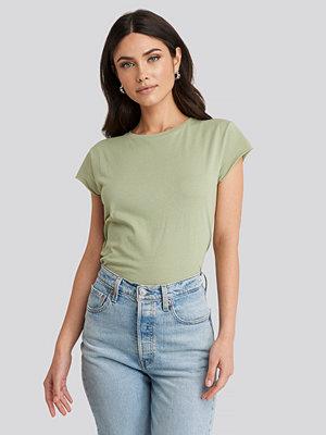 T-shirts - NA-KD T-Shirt Med Rå Kant grön