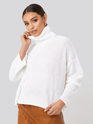 NA-KD Oversized High Neck Knitted Sweater vit