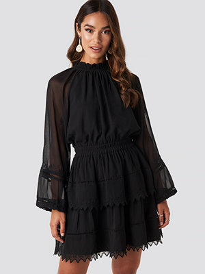 NA-KD Boho Embroidery Mini Dress svart