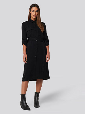 Trendyol Midi Belted Shirt Dress svart