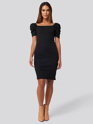 Trendyol Square Neck Puff Sleeve Knitted Mini Dress svart