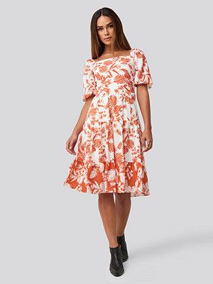 Trendyol Orange Patterned Midi Dress vit