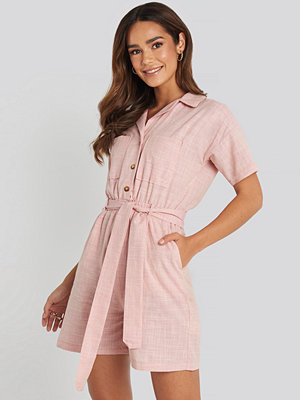 Jumpsuits & playsuits - Trendyol Waistband Belted Playsuit rosa