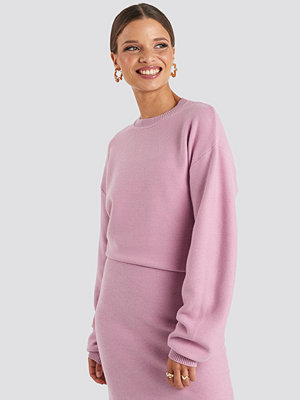 Emilie Briting x NA-KD Knitted Oversized Sweater rosa