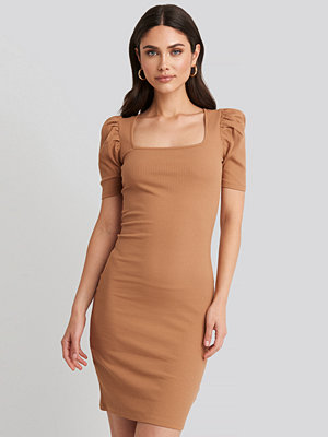 NA-KD Ribbed Puff Sleeve Dress beige