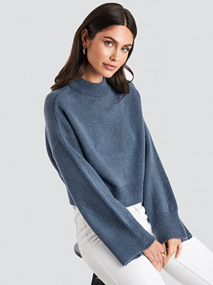 NA-KD Wide Sleeve Round Neck Knitted Sweater blå