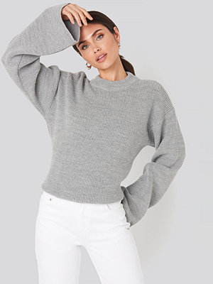 NA-KD Wide Sleeve Round Neck Knitted Sweater grå