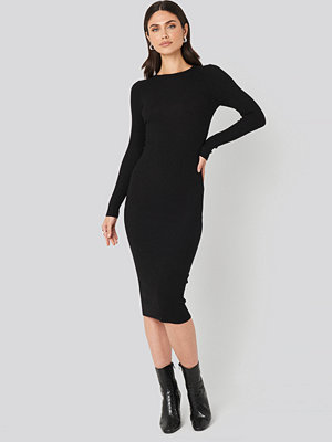 NA-KD Ribbed Knitted Midi Dress svart