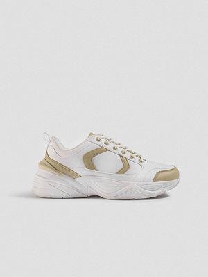 Emilie Briting x NA-KD Street Chunky Sneaker vit