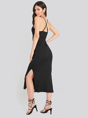Trendyol Back Detail Slit Long Dress svart