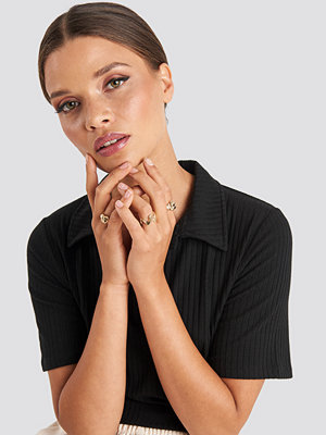 Emilie Briting x NA-KD smycke Structure Rings guld