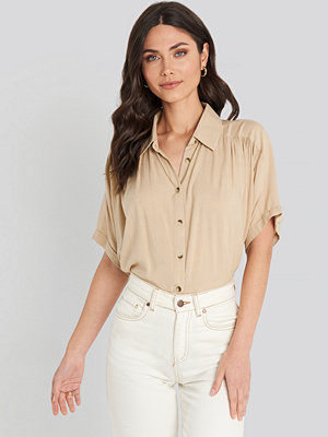 NA-KD Short Sleeve Shirt beige
