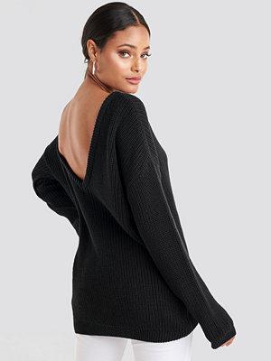 NA-KD Knitted Deep V-neck Sweater svart