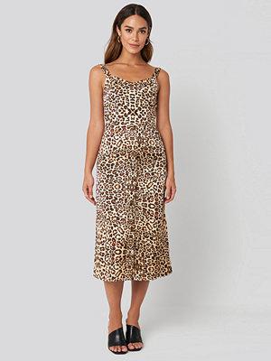 Trendyol Yol Leo Long Dress beige /
