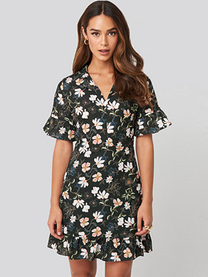 Trendyol Flower Printed Mini Dress svart multicolor