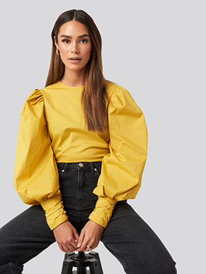 NA-KD Trend Puff Sleeve Fitted Top gul