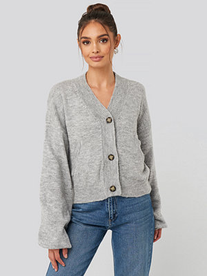 NA-KD Trend Short Button Front Cardigan grå