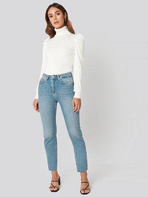 Hanna Weig x NA-KD High Rise Straight Cut Jeans blå