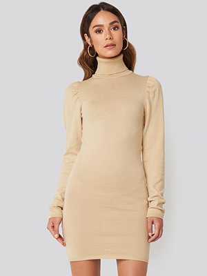 Hanna Weig x NA-KD High Neck Puffy Shoulder Dress beige