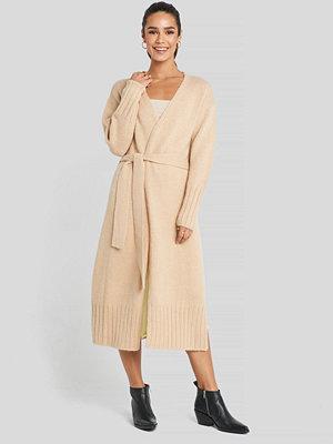 Cardigans - NA-KD Trend Belted Side Slits Long Cardigan beige