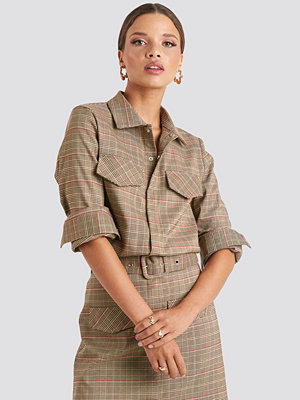 Emilie Briting x NA-KD Checked Pocket Shirt brun