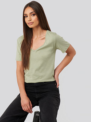 T-shirts - NA-KD Basic V-Neck Tee grön