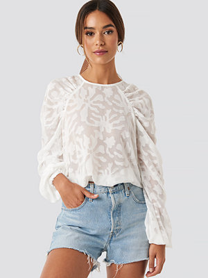 NA-KD Boho Jaquard Gathered Shoulder Blouse vit