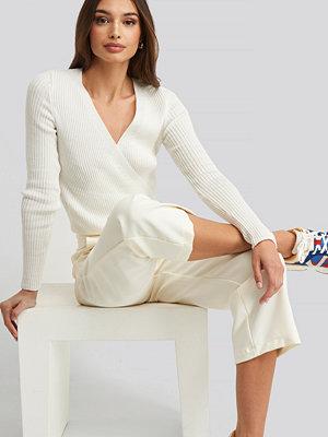 Trendyol Wrap Knitted Top vit