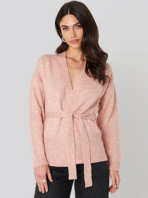 NA-KD Trend Overlap Tied Waist Cardigan rosa