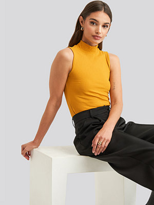 NA-KD Basic Turtle Neck Sleeveless Top gul