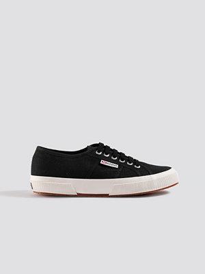 Sneakers & streetskor - Superga Märkessneakers svart