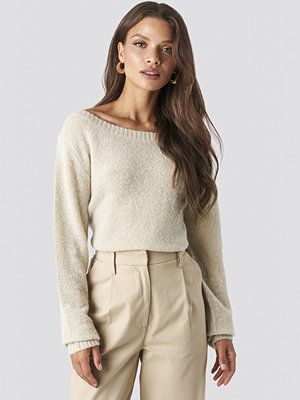 Tina Maria x NA-KD Boat Neck Knitted Sweater beige