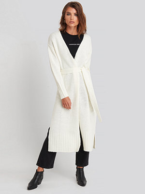NA-KD Trend Belted Side Slits Long Cardigan vit