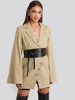 Hoss x NA-KD Checked Asymmetric Dress beige
