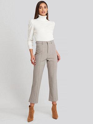 NA-KD byxor Seam Detail Straight Pants beige