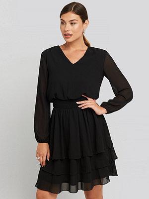 Sisters Point Nicoline-V Dress svart