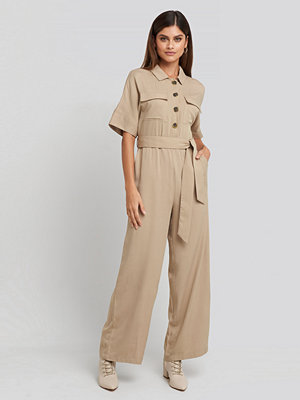 NA-KD Chest Pocket Buttoned Jumpsuit beige