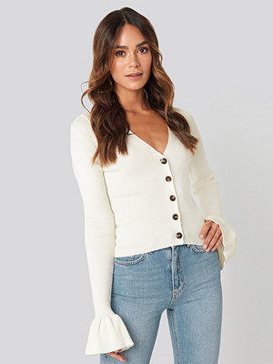 Cardigans - Hanna Weig x NA-KD Button Down Bell Sleeve Sweater vit