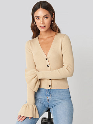 Cardigans - Hanna Weig x NA-KD Button Down Bell Sleeve Sweater beige