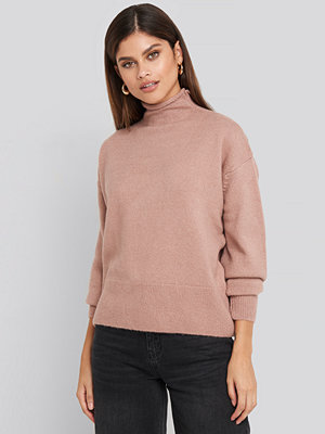 NA-KD Turtleneck Oversized Knitted Sweater rosa