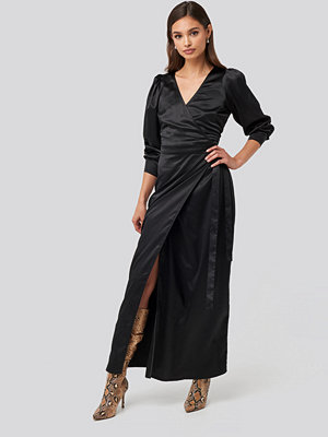 NA-KD Party Puff Sleeve Wrap Maxi Dress svart
