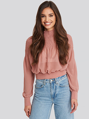 NA-KD Boho Smocked Shirred Blouse rosa